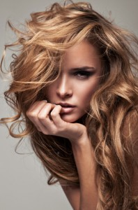 Aminosäuren und Vitamine für gesundes Haar